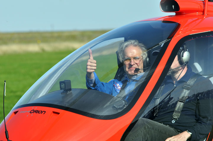 Julian-in-helicopter